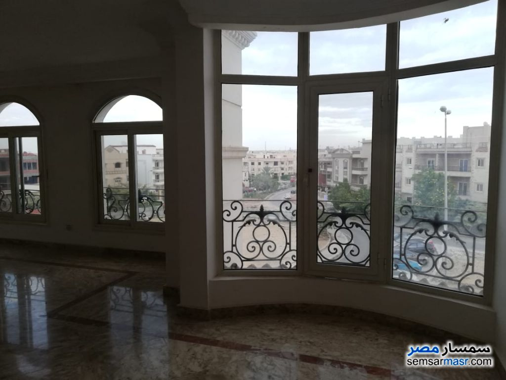 Photo 1 - Apartment 4 bedrooms 4 baths 360 sqm extra super lux For Sale Fifth Settlement Cairo