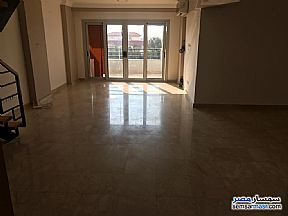 Ad Photo: Apartment 3 bedrooms 2 baths 200 sqm super lux in First Settlement  Cairo