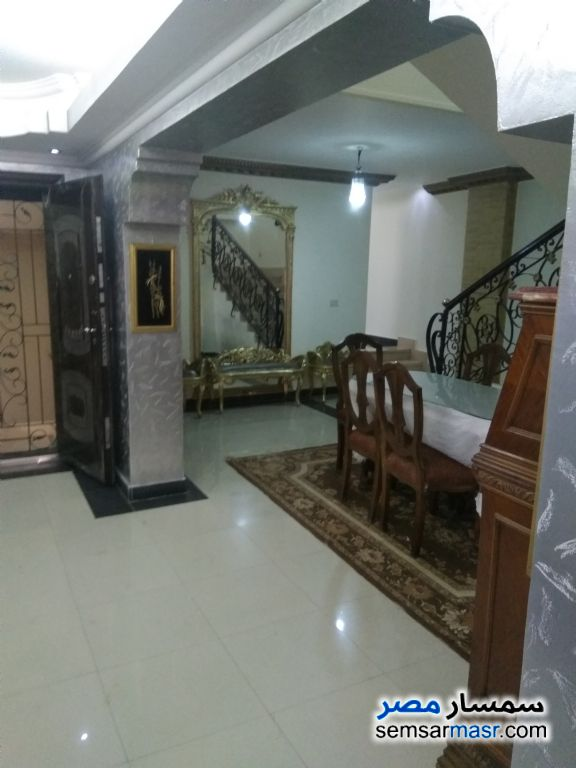 Ad Photo: Apartment 6 bedrooms 3 baths 420 sqm super lux in Haram  Giza