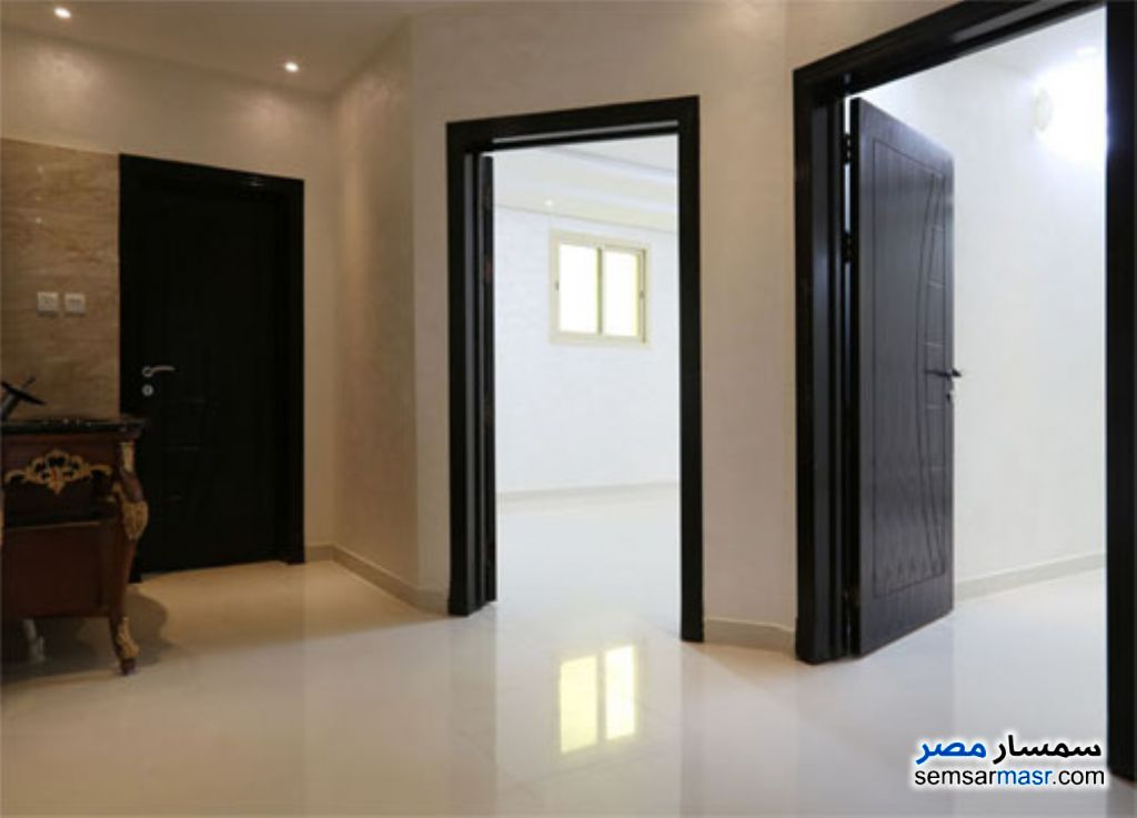 Ad Photo: Apartment 6 bedrooms 2 baths 400 sqm extra super lux in Zagazig  Sharqia