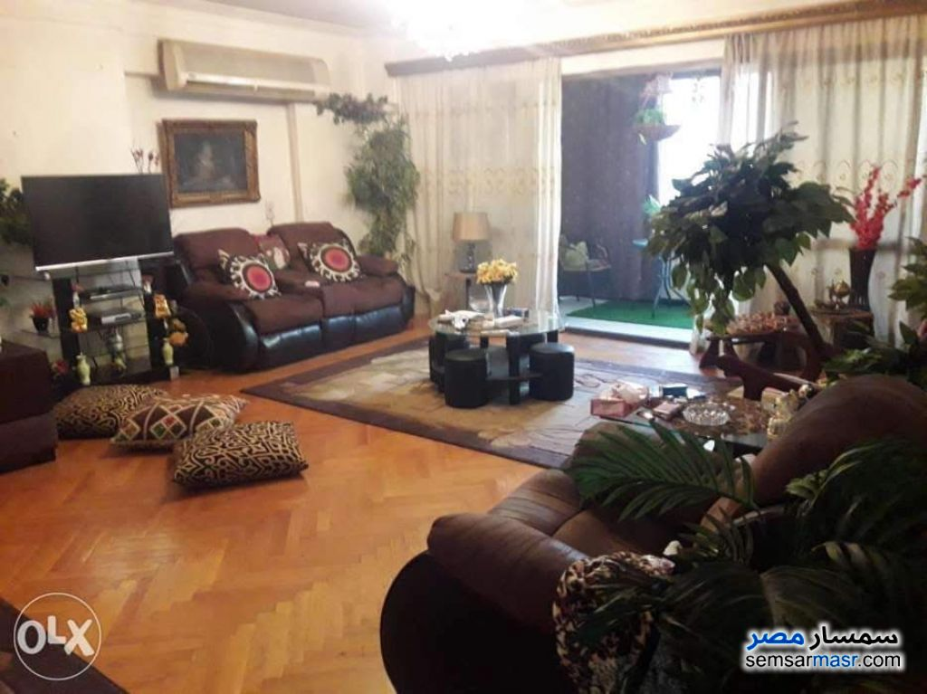 Ad Photo: Apartment 3 bedrooms 2 baths 250 sqm super lux in Heliopolis  Cairo
