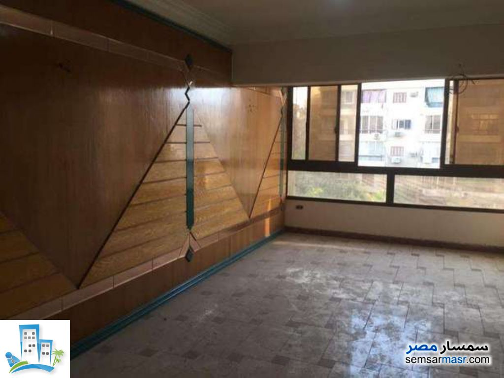 Ad Photo: Apartment 4 bedrooms 3 baths 300 sqm in Maadi  Cairo