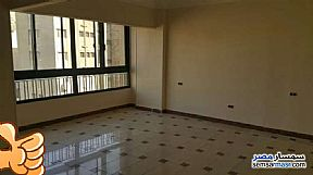 Ad Photo: Apartment 5 bedrooms 3 baths 280 sqm super lux in Maadi  Cairo