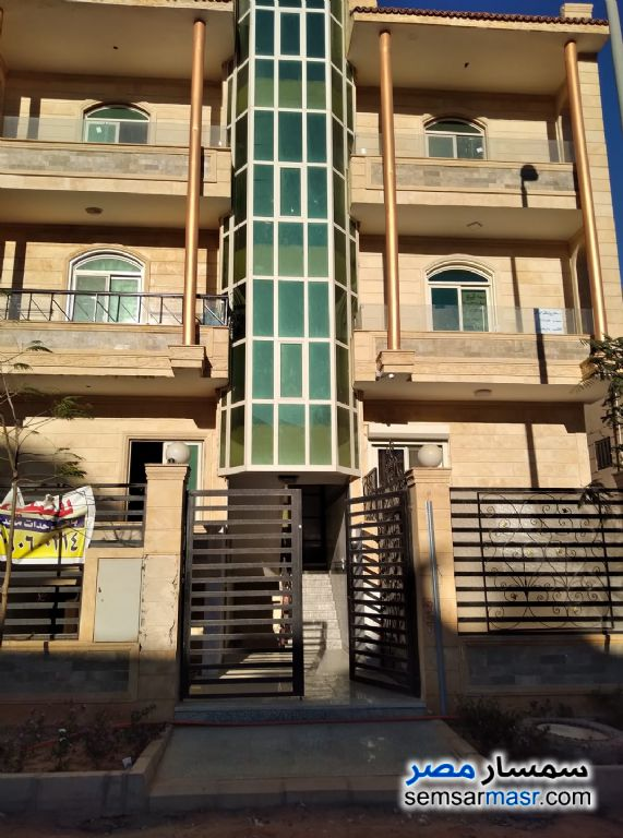 Ad Photo: Apartment 3 bedrooms 3 baths 350 sqm semi finished in Sheikh Zayed  6th of October