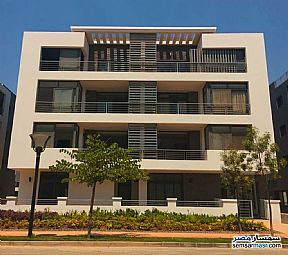 Ad Photo: Apartment 4 bedrooms 2 baths 290 sqm semi finished in First Settlement  Cairo