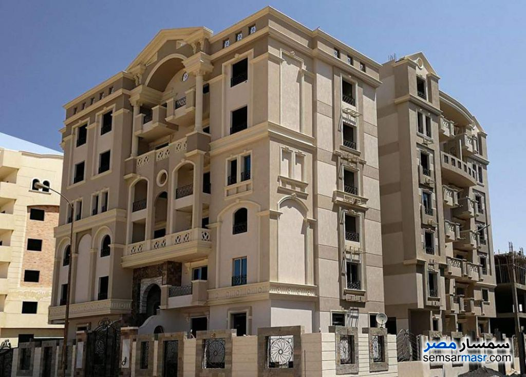 Ad Photo: Apartment 4 bedrooms 3 baths 220 sqm semi finished in Districts  6th of October