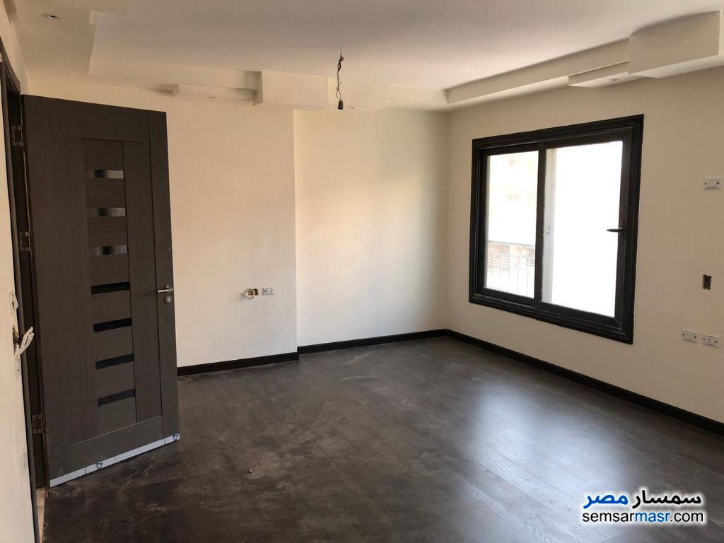 Ad Photo: Apartment 3 bedrooms 2 baths 170 sqm extra super lux in Nasr City  Cairo