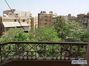Ad Photo: Apartment 7 bedrooms 2 baths 302 sqm extra super lux in Mokattam  Cairo