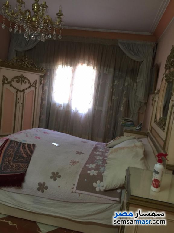 Ad Photo: Apartment 5 bedrooms 2 baths 300 sqm super lux in Nasr City  Cairo