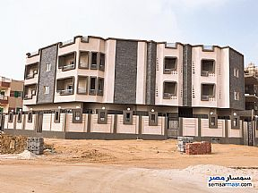 Ad Photo: Apartment 3 bedrooms 3 baths 386 sqm semi finished in Shorouk City  Cairo