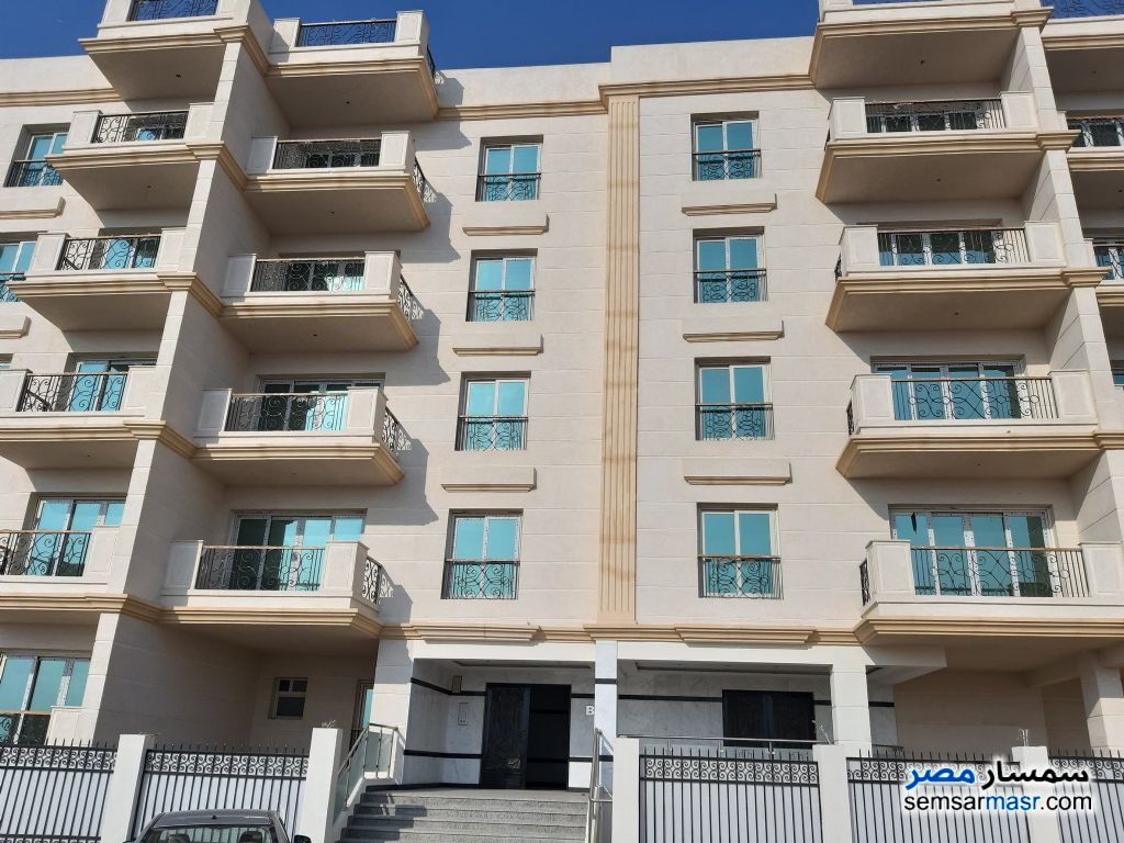 Photo 1 - Apartment 5 bedrooms 3 baths 292 sqm without finish For Sale Maadi Cairo