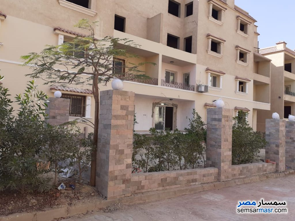 Ad Photo: Apartment 4 bedrooms 3 baths 330 sqm semi finished in Cairo Alexandria Desert Road  Giza