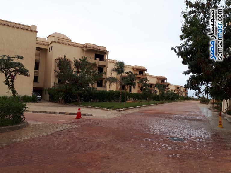Ad Photo: Apartment 4 bedrooms 3 baths 330 sqm semi finished in Abu Rawash  Giza