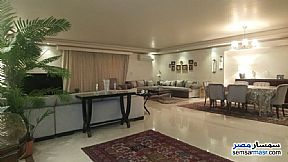 Ad Photo: Apartment 4 bedrooms 4 baths 330 sqm extra super lux in Mohandessin  Giza