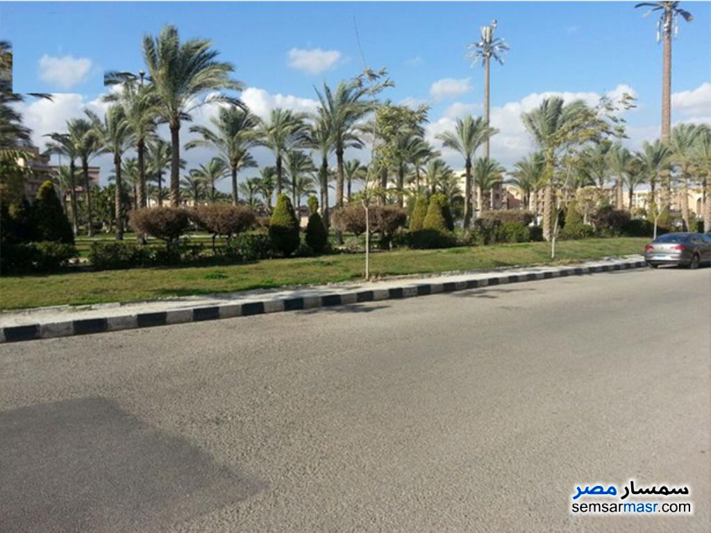 Ad Photo: Apartment 3 bedrooms 3 baths 400 sqm semi finished in El Ubour City  Qalyubiyah