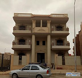 Ad Photo: Apartment 3 bedrooms 3 baths 440 sqm semi finished in Shorouk City  Cairo