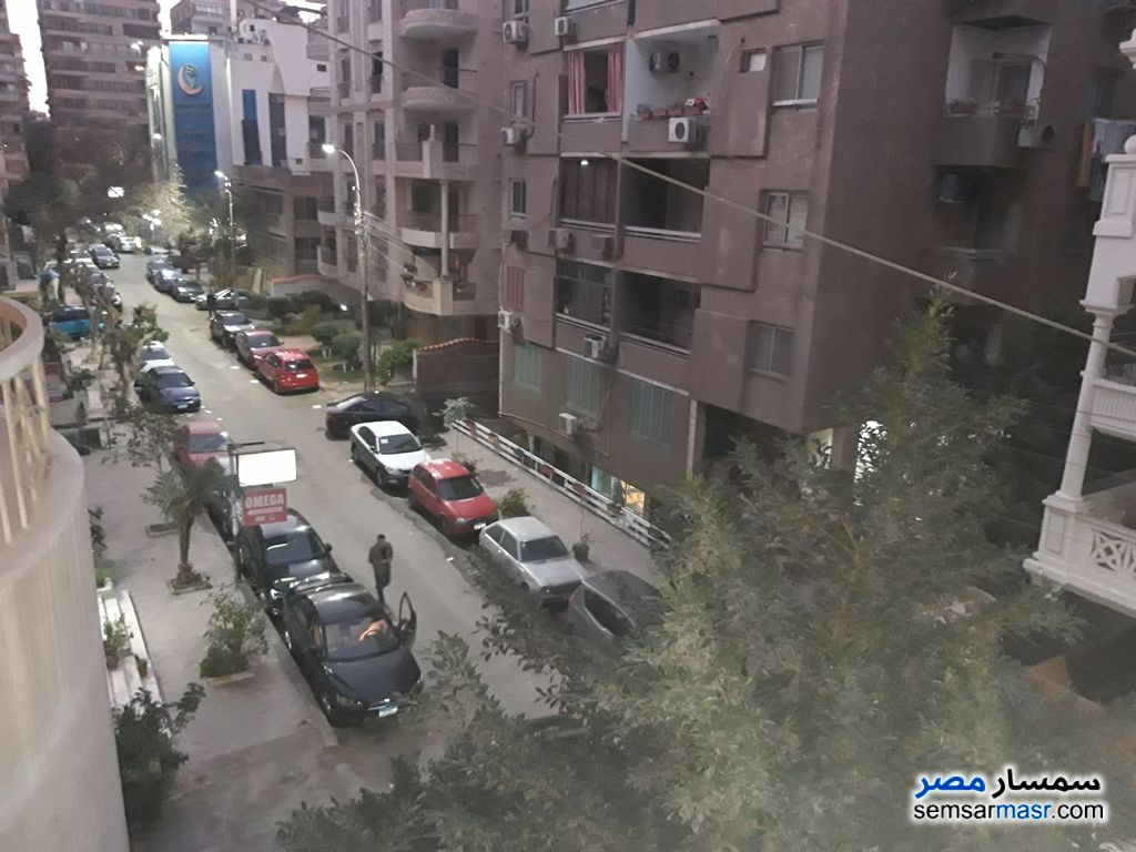 Photo 1 - Apartment 5 bedrooms 4 baths 370 sqm super lux For Sale Heliopolis Cairo