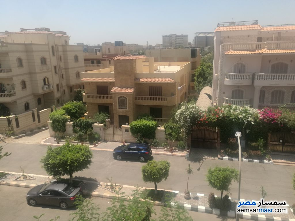 Ad Photo: Villa 5 bedrooms 3 baths 400 sqm without finish in El Ubour City  Qalyubiyah