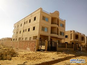 Ad Photo: Apartment 2 bedrooms 1 bath 100 sqm semi finished in Shorouk City  Cairo