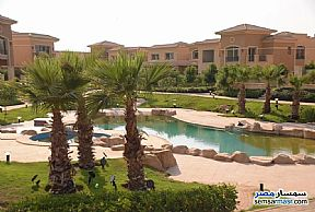Ad Photo: Villa 5 bedrooms 5 baths 480 sqm semi finished in Fifth Settlement  Cairo