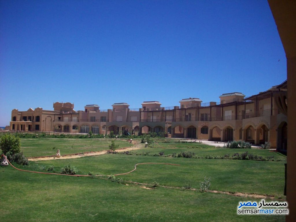Ad Photo: Apartment 3 bedrooms 3 baths 213 sqm extra super lux in La Luna Beach  Ain Sukhna
