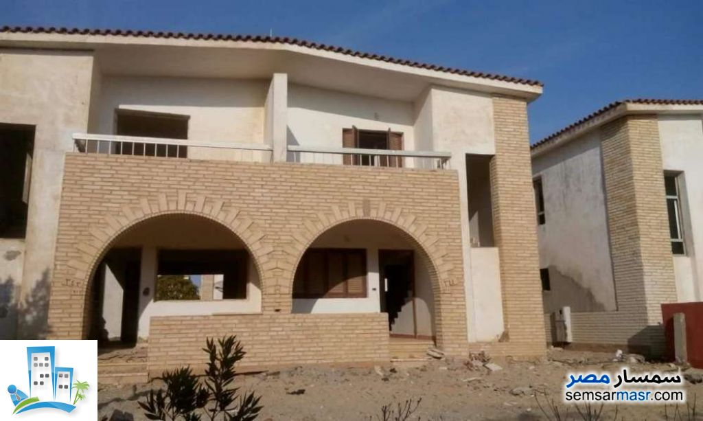 Ad Photo: Apartment 2 bedrooms 2 baths 125 sqm semi finished in Suez District  Suez