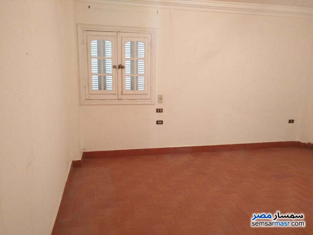 Photo 1 - Apartment 6 bedrooms 3 baths 210 sqm extra super lux For Sale Districts 6th of October