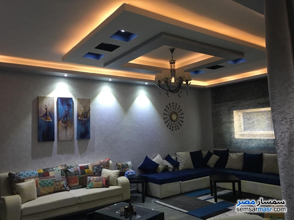 Ad Photo: Apartment 3 bedrooms 2 baths 150 sqm extra super lux in Sharqia