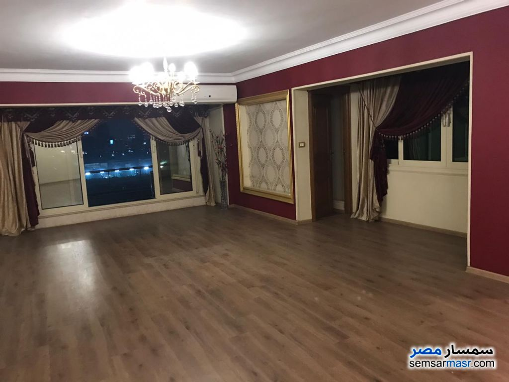 Photo 8 - Apartment 3 bedrooms 2 baths 190 sqm super lux For Rent Mohandessin Giza