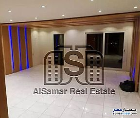 Ad Photo: Apartment 9 bedrooms 3 baths 450 sqm extra super lux in Maadi  Cairo