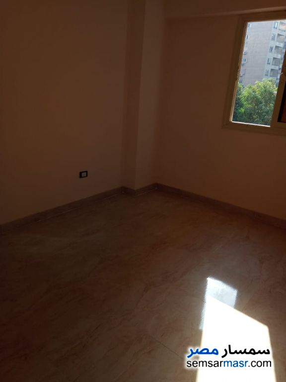 Photo 10 - Apartment 4 bedrooms 1 bath 200 sqm extra super lux For Rent Maadi Cairo