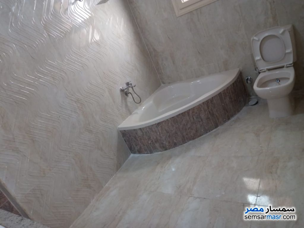 Photo 2 - Apartment 4 bedrooms 1 bath 200 sqm extra super lux For Rent Maadi Cairo