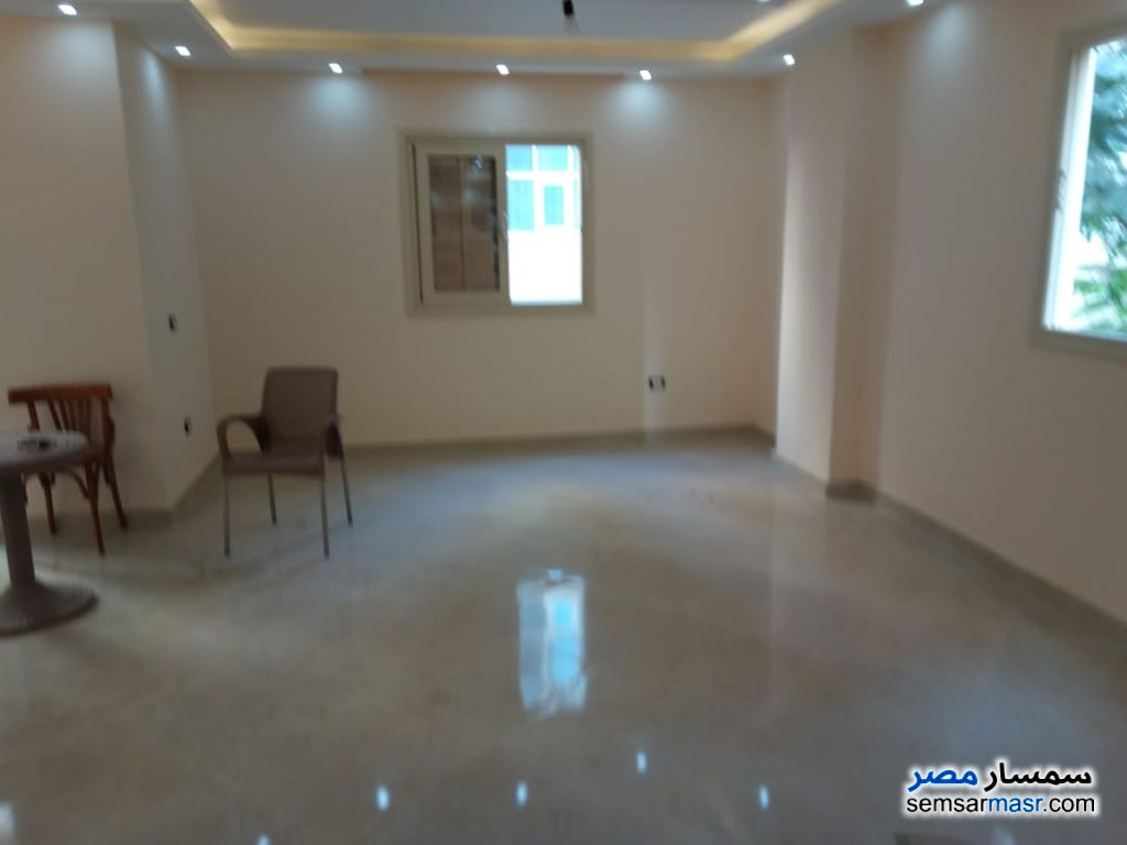 Photo 4 - Apartment 4 bedrooms 1 bath 200 sqm extra super lux For Rent Maadi Cairo