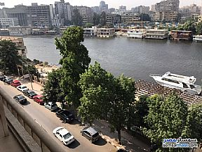 Ad Photo: Apartment 2 bedrooms 2 baths 180 sqm lux in Zamalek  Cairo