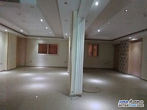 Ad Photo: Apartment 5 bedrooms 3 baths 250 sqm extra super lux in Haram  Giza