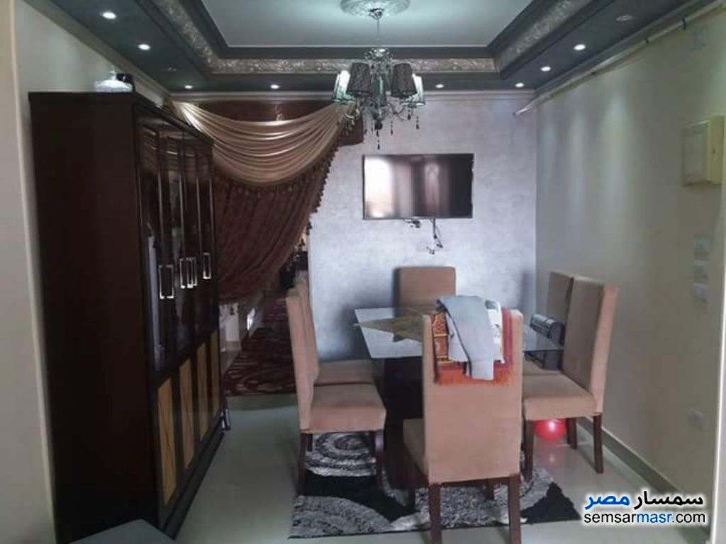 Photo 1 - Apartment 3 bedrooms 1 bath 100 sqm extra super lux For Sale Marg Cairo