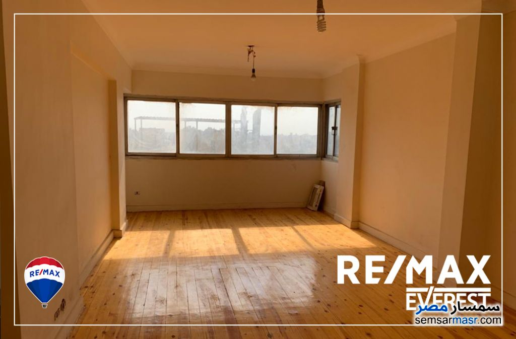 Ad Photo: Apartment 4 bedrooms 3 baths 310 sqm super lux in Giza