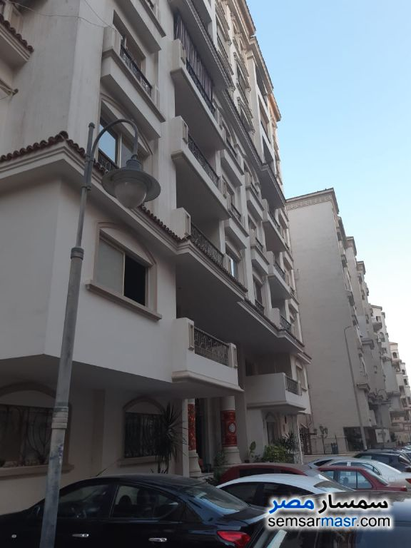 Photo 1 - Apartment 3 bedrooms 2 baths 133 sqm semi finished For Sale Maadi Cairo