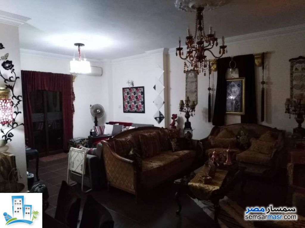 Ad Photo: Apartment 2 bedrooms 1 bath 100 sqm in First Settlement  Cairo