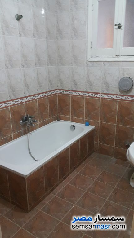 Photo 1 - Apartment 3 bedrooms 2 baths 150 sqm extra super lux For Rent Al Rawdah Cairo