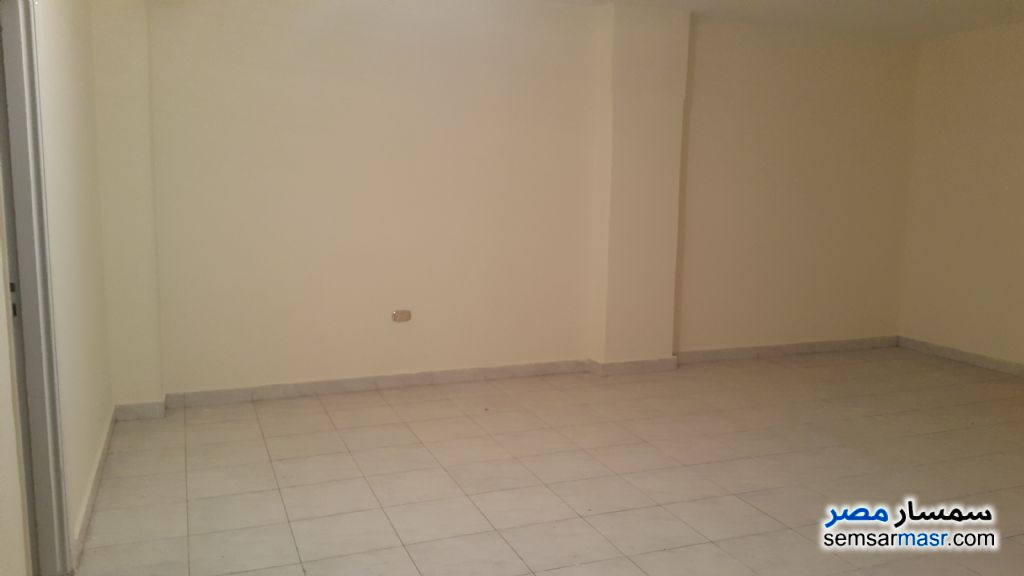 Photo 9 - Apartment 3 bedrooms 2 baths 150 sqm extra super lux For Rent Al Rawdah Cairo