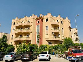 Ad Photo: Apartment 3 bedrooms 3 baths 190 sqm semi finished in Fifth Settlement  Cairo
