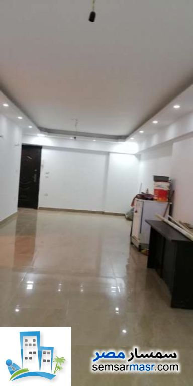 Ad Photo: Apartment 2 bedrooms 2 baths 125 sqm extra super lux in West Somid  6th of October