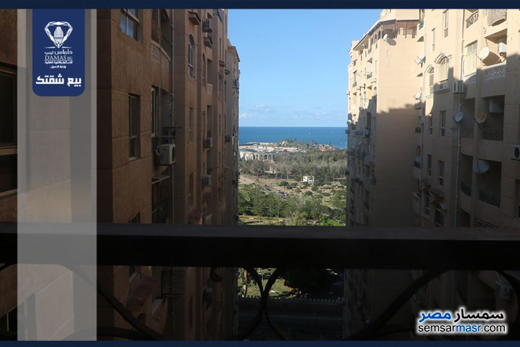 Photo 1 - Apartment 6 bedrooms 3 baths 242 sqm extra super lux For Sale Montazah Alexandira