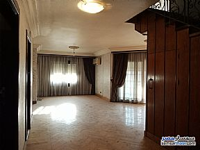 Ad Photo: Apartment 2 bedrooms 3 baths 300 sqm super lux in Mohandessin  Giza