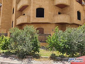 Ad Photo: Apartment 3 bedrooms 2 baths 175 sqm without finish in First Settlement  Cairo
