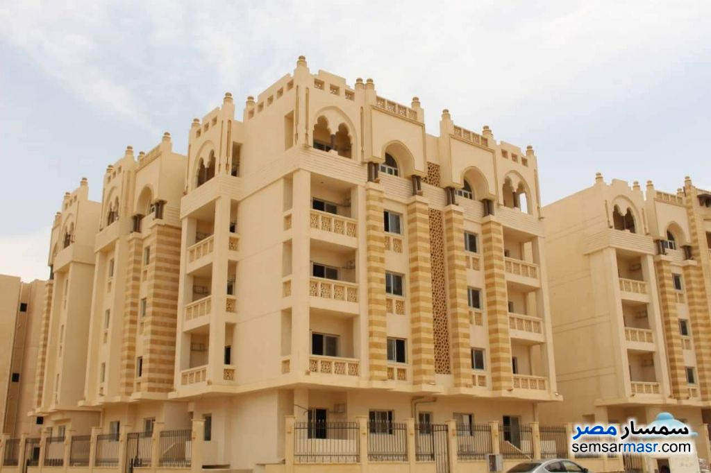 Ad Photo: Apartment 3 bedrooms 1 bath 126 sqm semi finished in New Heliopolis  Cairo