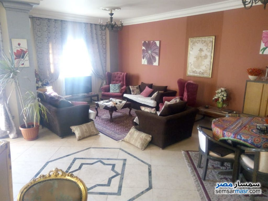 Ad Photo: Apartment 4 bedrooms 3 baths 320 sqm super lux in Mokattam  Cairo