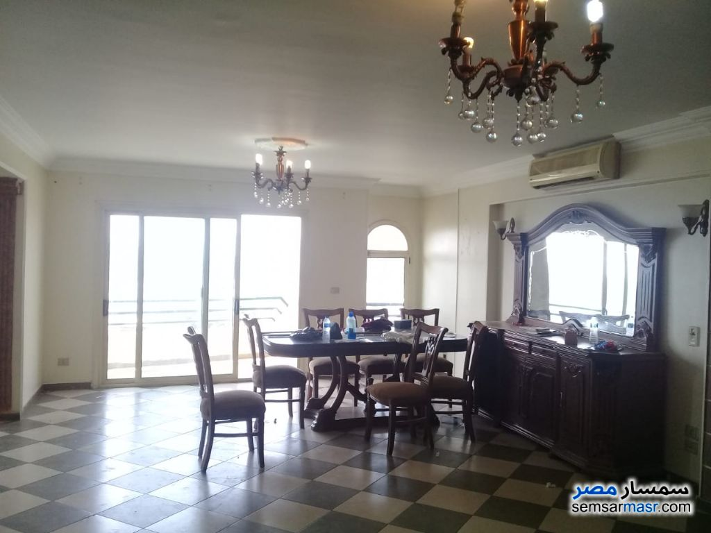 Photo 2 - Apartment 4 bedrooms 3 baths 270 sqm extra super lux For Rent Maadi Cairo