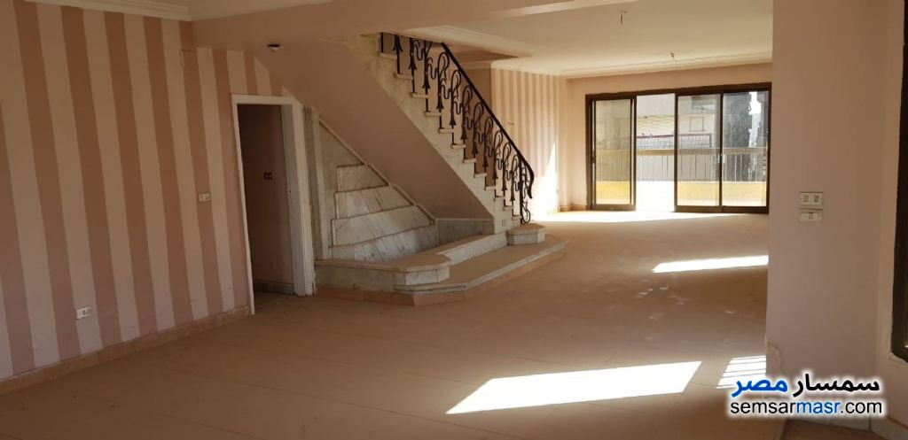 Ad Photo: Apartment 4 bedrooms 3 baths 320 sqm lux in Mohandessin  Giza